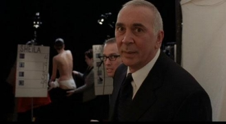 Frank Langella en The Box