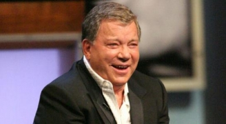 William Shatner compite con Star Trek XI